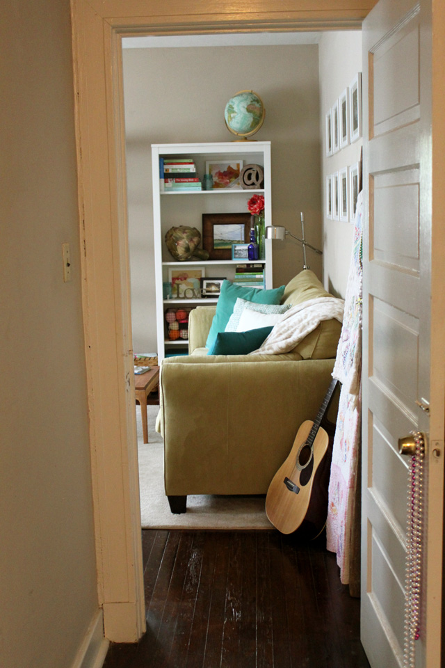 look into living room from hallway brighter1