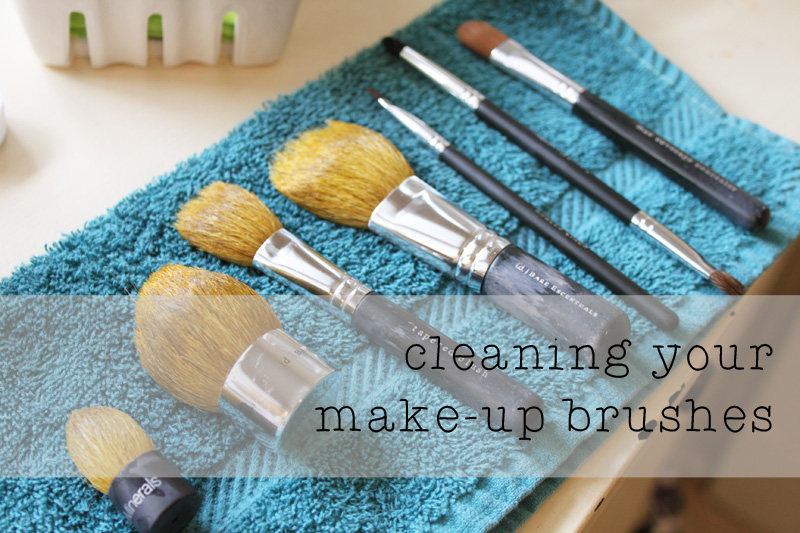 cleaning your make up brushes1
