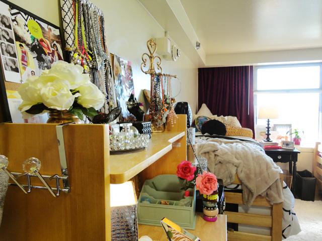 desk area top bed brighter1