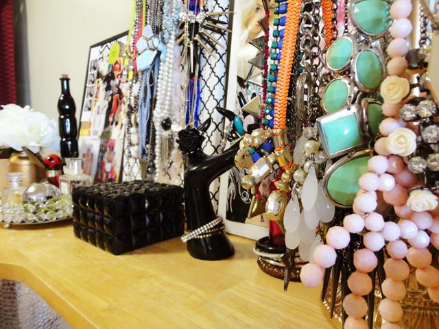 jewelry close brighter1