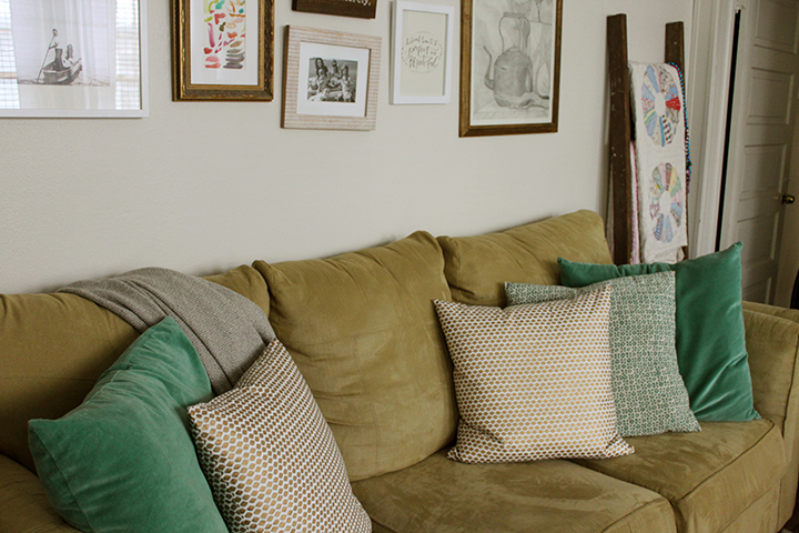 couch with pillows1