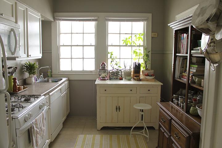 look into kitchen 2 color edit1